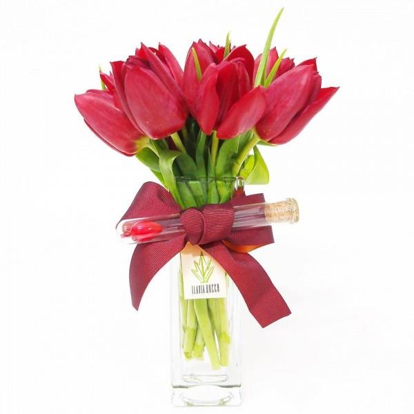 Arranjo de Tulipa Vermelha em Torre de Vidro - P