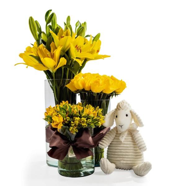 Kit Trio de Cilindro com flores amarelas e pelúcia