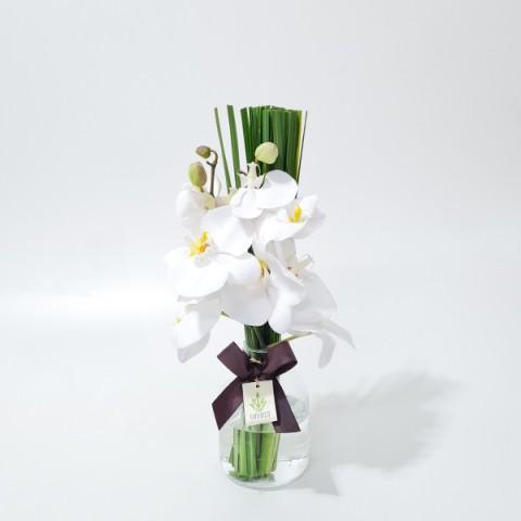 Arranjo de Orquídea Phalaenopsis Branca em Garrafa de Vidro - P