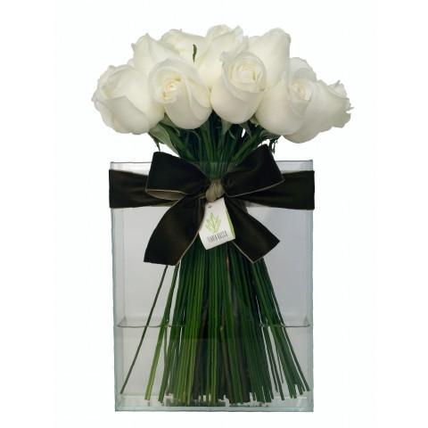 Arranjo de Rosas Brancas e Retangular de Vidro M
